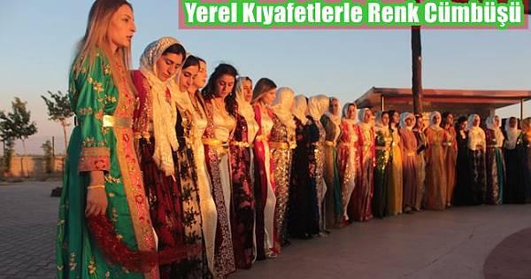 Yerel Kıyafetlerle Düğünlerde Renk Cümbüşü