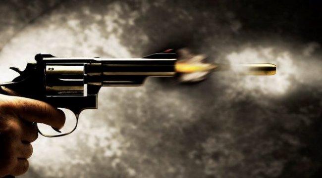 Alkollü muhtar, CHP ilçe başkanını vurdu