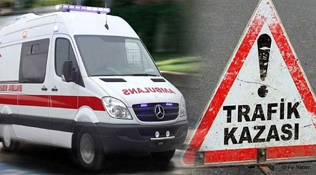 Otomobille yolcu minibüsü çarpıştı: 4 yaralı