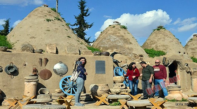 Avusturya'lı turistler Urfa'ya hayran kaldı