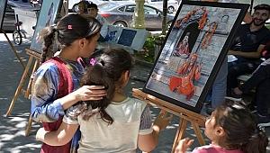 İhtiyaç sahibi çocuklar yararına fotoğraf sergisi
