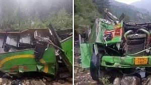 Otobüs uçuruma yuvarlandı: 25 ölü