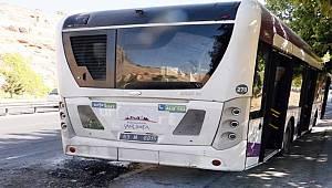 Şanlıurfa'da belediye otobüsünde yangın