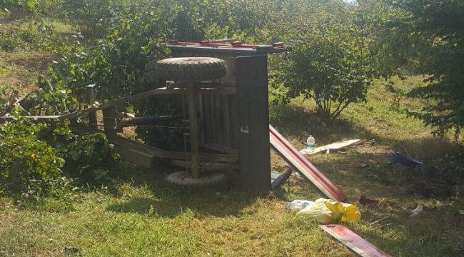 Tarımişçilerini taşıyan traktör devrildi: 1 ölü, 13 yaralı