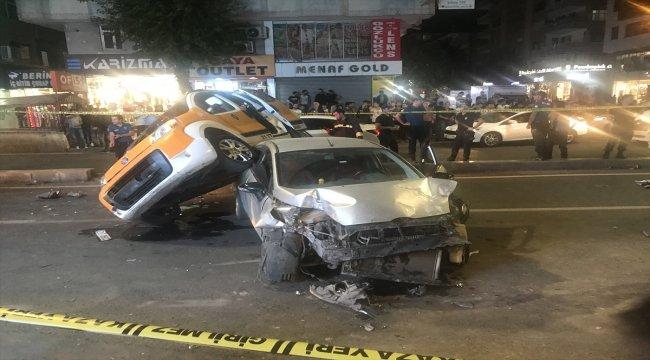 Diyarbakır'da otomobil ticari taksiye çarptı: 1 yaralı