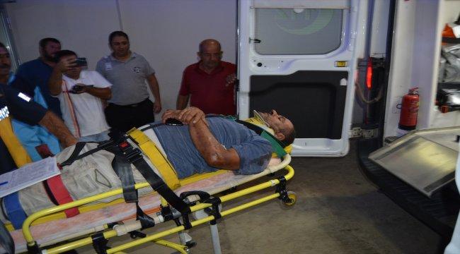 Freni boşalan tırın şoförü kendisini dışarı atarak kurtuldu