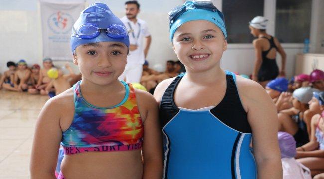 Siirt'te yüzme yarışması yapıldı