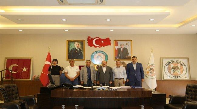 Zeugma Antik Kenti Kazı Başkanı Görkay'dan Belediye Başkanı Sarı'ya ziyaret