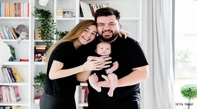 Eser Yenenler aile fotoğrafını paylaştı