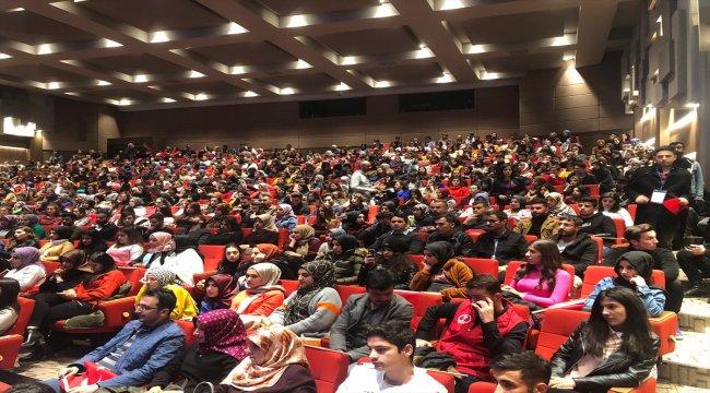 """Gaziantep'te """"Çınaraltı Gençlik Söyleşileri"""" programı"""