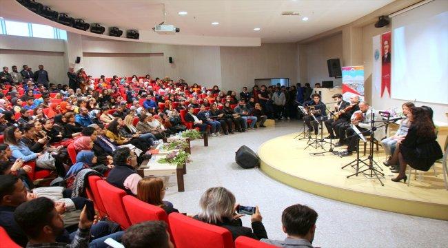 Kilis'te Kadına yönelik şiddete dikkat çekmek adına müzik dinletisi