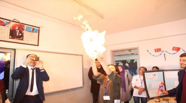 Nizip'te TÜBİTAK bilim fuarı açıldı