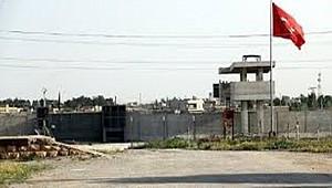 Şanlıurfa sınırında bir terörist teslim oldu