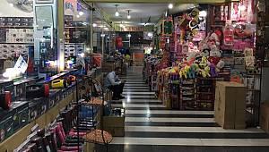 Urfa'da Pasaj lar Sinek Avlıyor