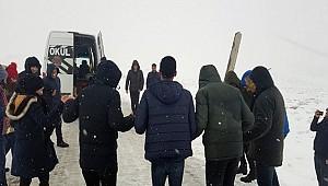 Karacadağ'da mahsur kalıp halay çektiler