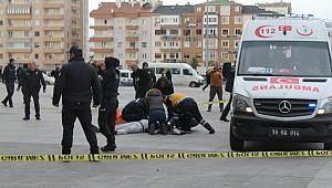 Adliye önünde can pazarı! 1 kişi hayatını kaybetti