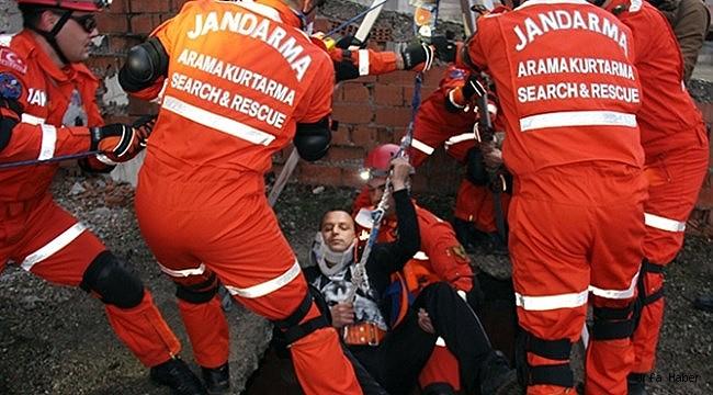 Jandarma Timleri Depremde Tam Not Aldı