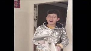 Livaneli Kürd Çocuğu Arıyor