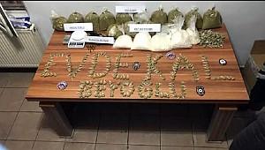 Polisten uyuşturuculu 'Evde kal' mesajı