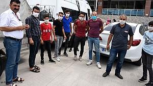 Kıbrıs'ta mahsur kalan Urfalı işçiler evlerine ulaştı