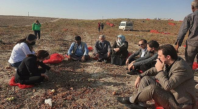 Gelecek Partisi mevsimlik tarım işçilerini ziyaret etti