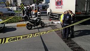 Trafik ışıklarında cam silen çocuk kamyon altında kalarak hayatını kaybetti