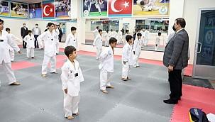 Başkan Canpolat Genç Sporcuları Ziyaret Etti