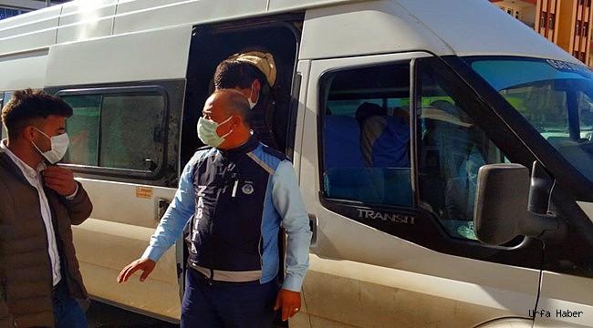 Akçakale'de Minibüslerde Koronavirüs Denetimi
