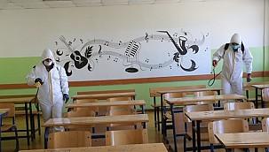 Haliliye Belediyesi Okulları Dezenfekte Etti