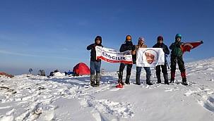 Şanlıurfalı Dağcılar Karacadağ'da Kış Tırmanış Eğitimi Yaptılar.
