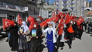 """Şırnak annelerinden HDP'ye tepki: """"Zenginler fakirleri sattı"""""""