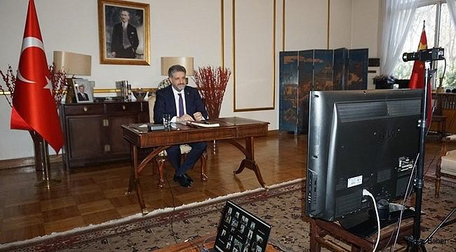 Urfalı Büyükelçi Eyyübiyeli Öğretmen ve Öğrencilerle online görüştü