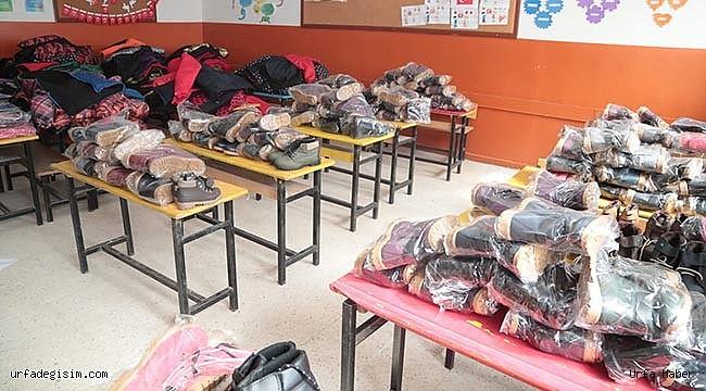 300 öğrenciye yardım seti dağıtıldı
