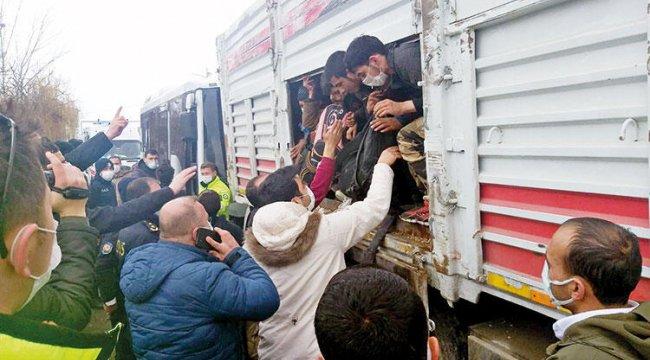 Dehşete düşüren manzara: TIR'dan 114 kaçak göçmen çıktı