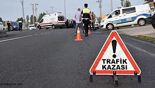 Urfa'da otomobil ile tır çarpıştı