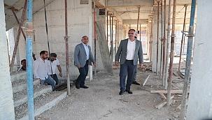 Başkan Kuş, Yapımı Süren Gençlik Merkezini İnceledi.