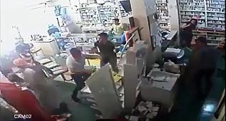 Suriye'liler eczaneyi savaş alanına çevirdiler..